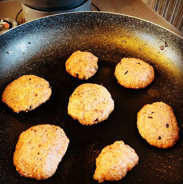 #松本スタイル 薪ストーブで、揚げご飯作ってみたよ。クッキーみたい。