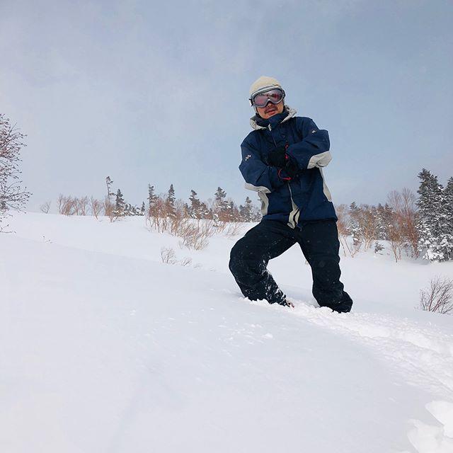 #松本スタイル 携帯で撮影しながら滑ってたら、見事に落として焦ったf^_^;雪に埋もれる気分をどうぞ。