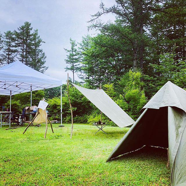 今日は小人テントも張ってみたよ。雨も1日持ちそう、心地いい天気です。