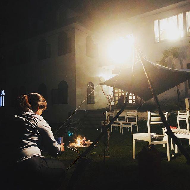 今宵は、ペンションのお庭で、グランブッシュクラフトです。