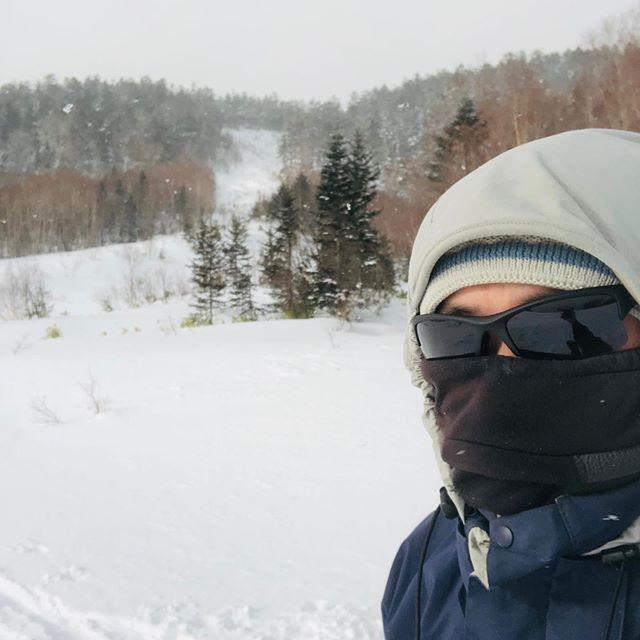 すえっちです・・・ 今朝妻に言われました。「なんか、今日は朝から元気だね。」って。山に滑りに行く日は元気な私です。
