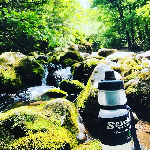 今日は川に遊んでもらいました。#水は現地調達 #天然水を浄化して飲む #セイシェルのCMではない