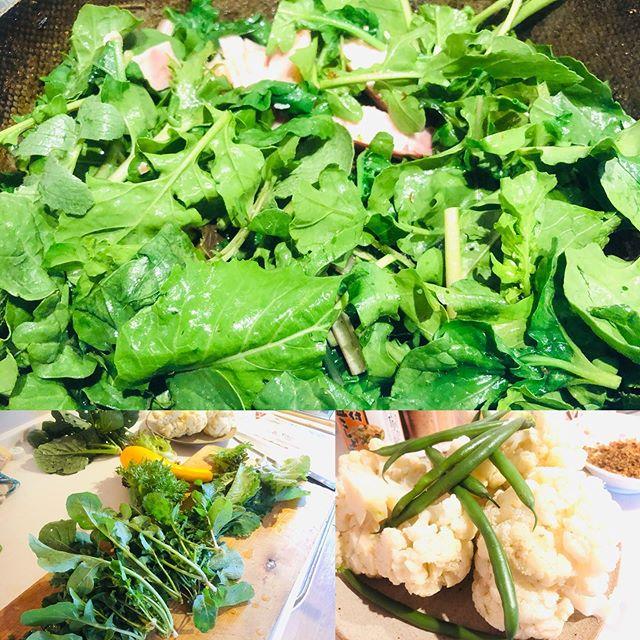 無農薬農家さんのお手伝いに行って、ごっそり無農薬野菜を頂きました。香味野菜は、ベーコンとかシーチキンと合わせて炒めるだけで美味しいので、好き。